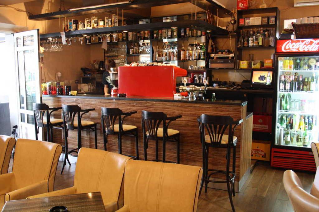 caffe bar menego primošten