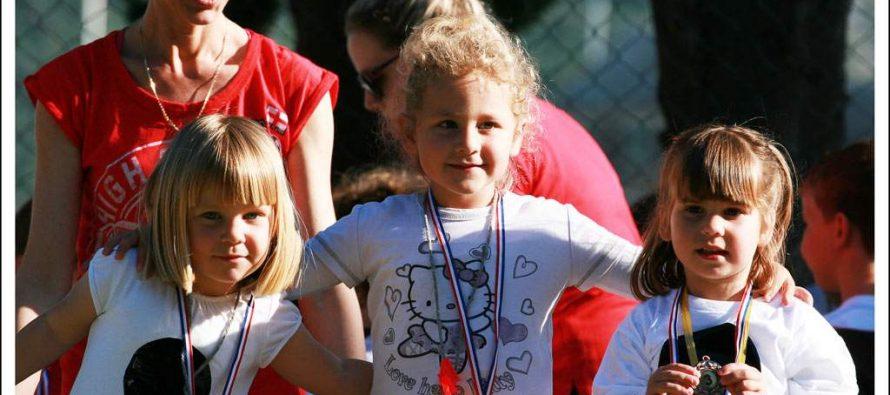 8. sportski susreti dječjih vrtića Općine Primošten