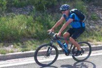 Slušalice u ušima i pričanje na mobitel bicikliste će 'koštati' 500 kuna