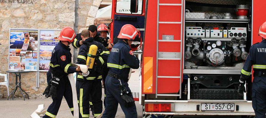ZAŠTO PRIMOŠTEN USRED LJETNE SEZONE OSTAJE BEZ CISTERNE: DVD Primošten ostao bez najvažnijeg vozila usred sezone požara