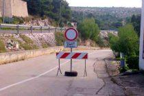 Zatvorena cesta od vatrogasnog doma prema Aurori
