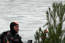 FOTO/VIDEO:Kike Curavić sa roniocima postavio božićnu jelku u primoštensko more