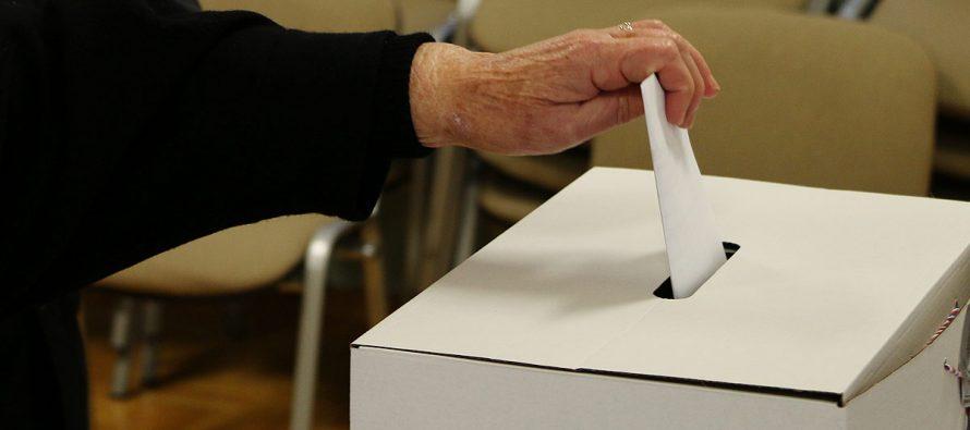 Veća izlaznost nego u 1. krugu: Do 16.30h na izbore izašlo 49,74% birača u Primoštenu
