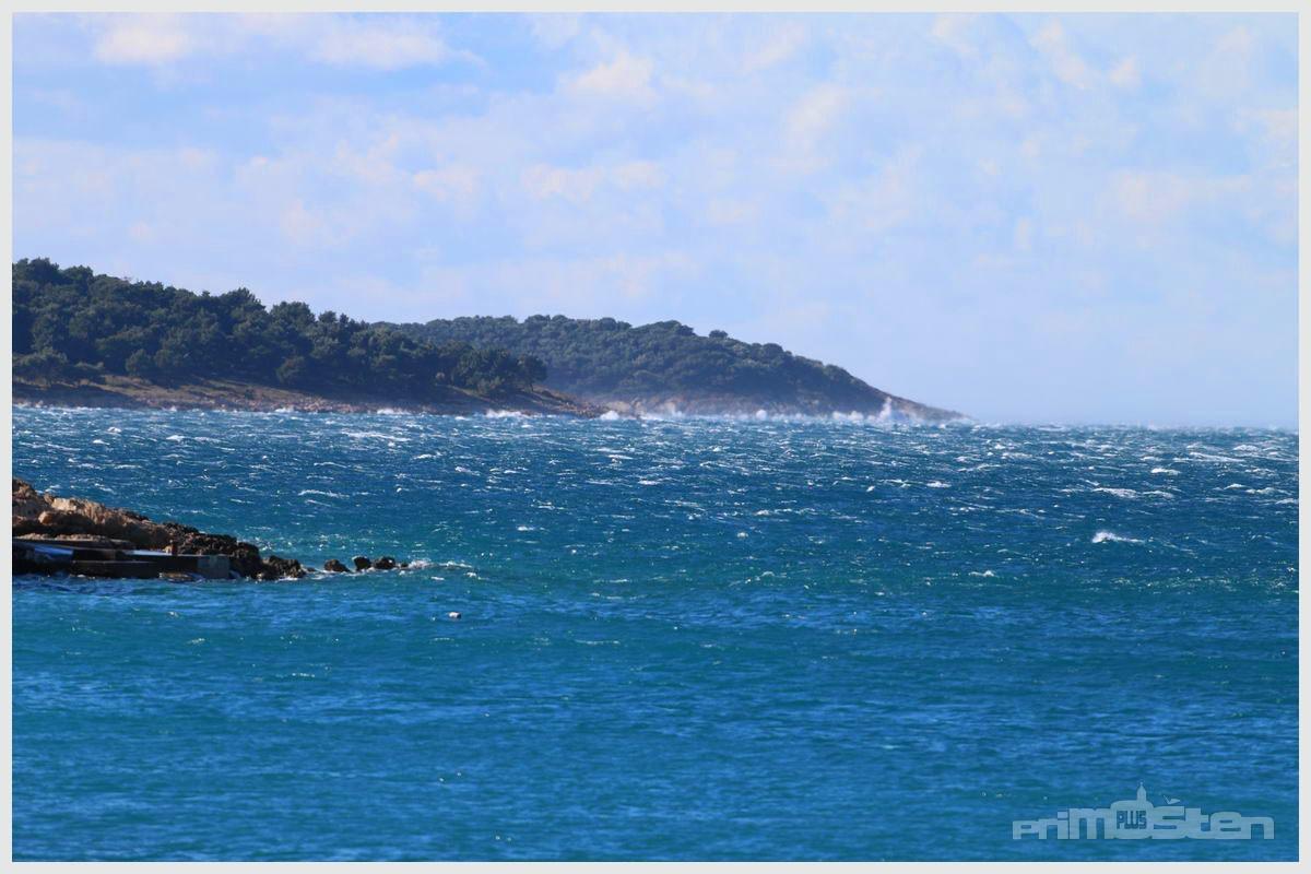 bura u moru