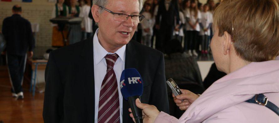 Godišnjom nagradom Ivan Filipović nagrađen ravnatelj OŠ Primošten dr. sc. Nedjeljko Marinov