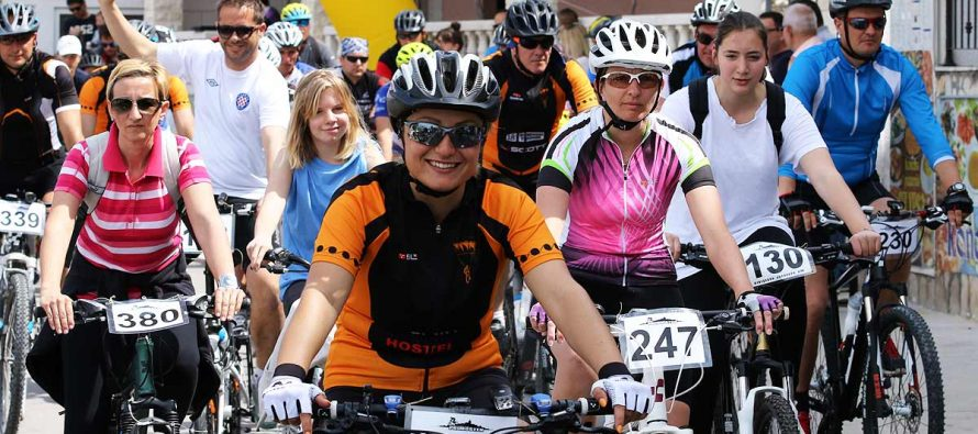 SVI NA BICIKLIJADU: Na 5. biciklijadi ove godine zabavlja vas simpatični komičar Ćubi i neponovljivi Marijan Ban. Vidimo se u Primoštenu na vrhunskoj zabavi