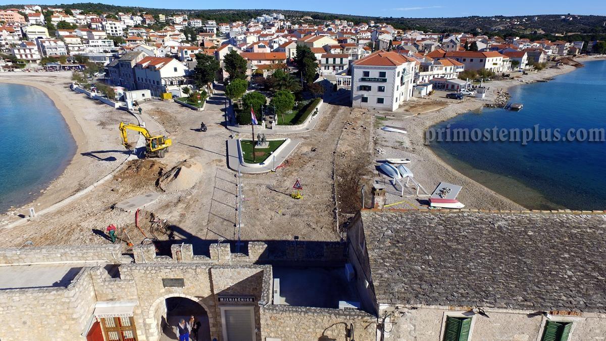 Radovi na trgu don I. Šarića i ulici bana J. Jelačića gledano iz ptičje perspektive