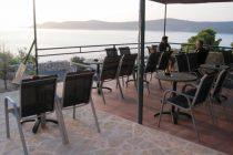 VAŠI OGLASI: Caffe bar Tomas u sklopu kampa Tomas, traži konobara za sezonski rad