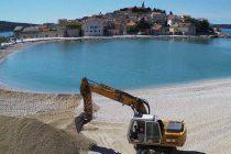 """Radovi na uređenju plaže """"Mala Raduča"""""""