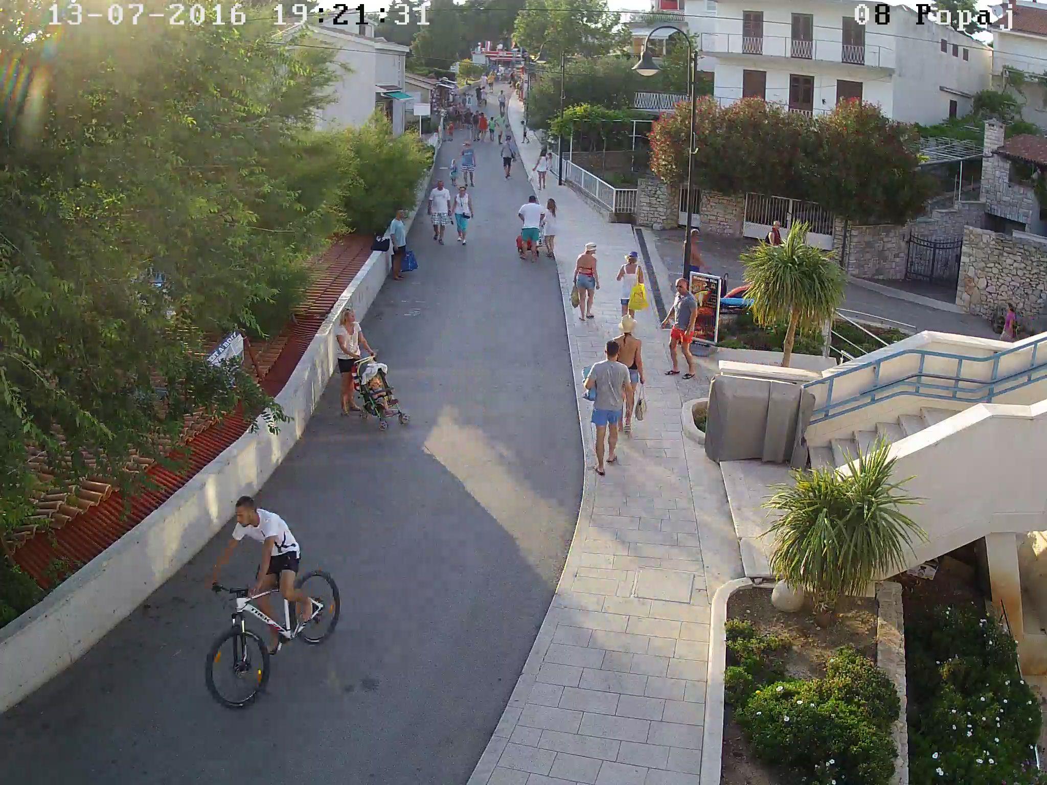 Krađa bicikla (6)