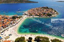 Iz TZ-a poručuju: Nikad više turista u Primoštenu, plaže su pune, događanja ima, ali fali im smještajnih kapaciteta