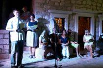 """Ispred crkve sv. Roka održana je glazbeno-poetska večer pod nazivom """"Zahvalimo Gospodinu"""""""