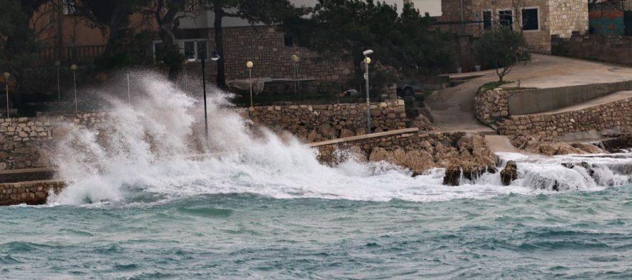 FOTO: Kad se more uzburka – Primošten 17.1.2018.