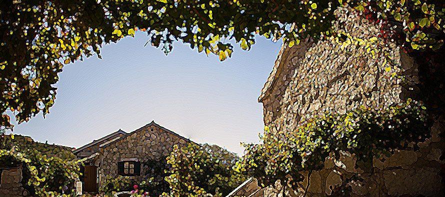 Jurlinovi dvori dobili priznanje od Turističke zajednice Šibensko-kninske županije za doprinos turističkoj ponudi selektivnih oblika turizma