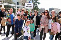 I mještani Primoštena sudjelovali u mirnom prosvjedu u Šibeniku protiv sve većeg nasilja u Hrvatskoj