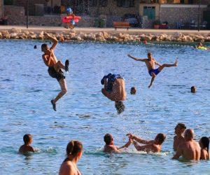 FORA PLUS – Ekstremno kupanje