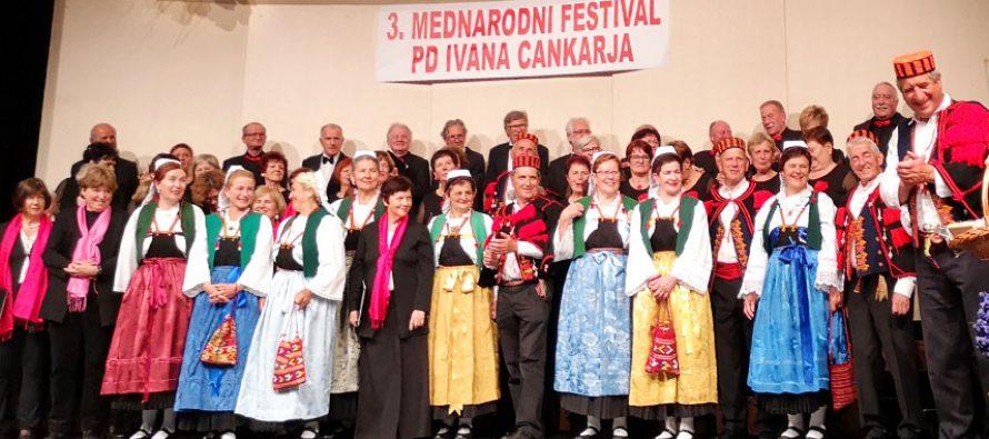 Folklor u Vrhniki Slovenija