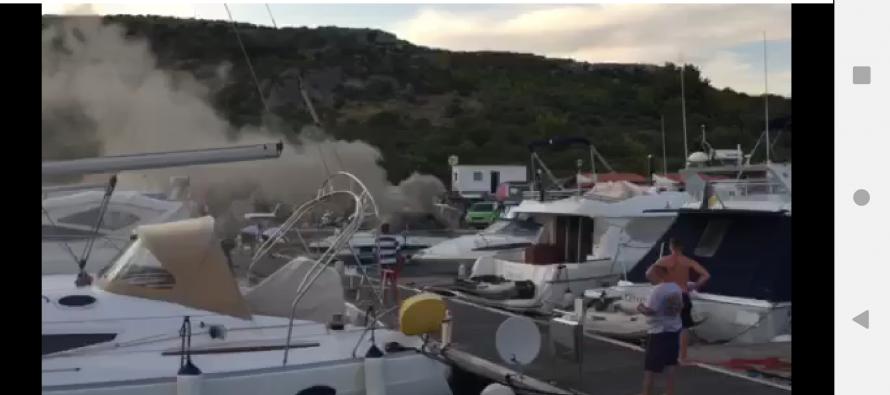 VIDEO: Gori brod u Kremiku