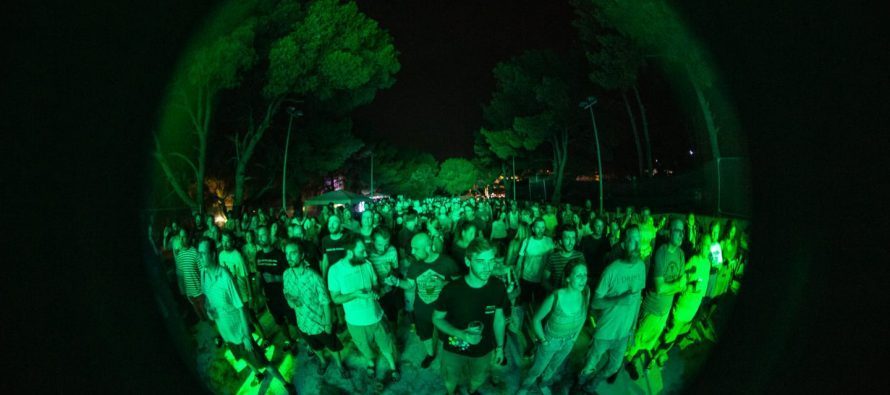FOTO: Prva večer SuperUho festivala u Primoštenu