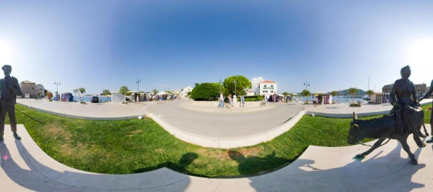 FOTO 360° – Spomenik težaku / Trg don Ive Šarića