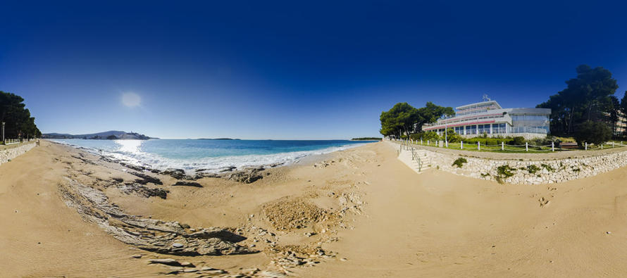 FOTO 360° – Plaža Raduča i hotel Zora