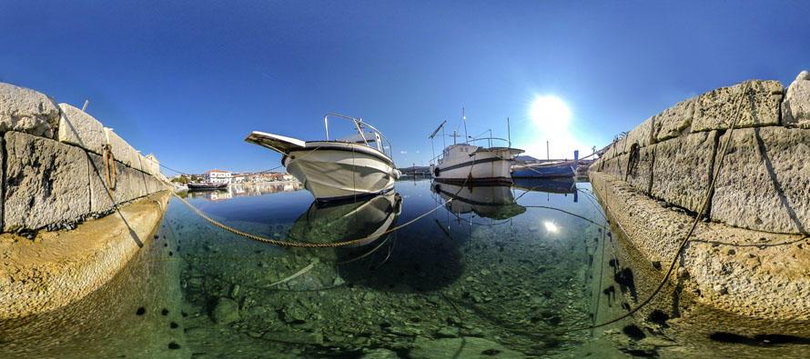 FOTO 360° – Riva, brodovi i ježinci guštaju na suncu