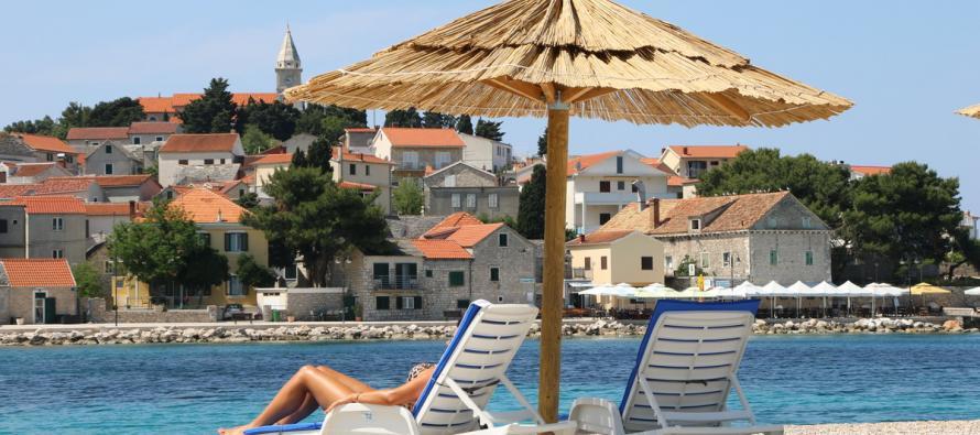 Dear travelers, Croatia welcomes You / Dragi putnici, Hrvatska Vam želi dobrodošlicu!