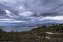FOTO: Primošten pod tmurnim oblacima