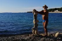 Mladen Janković Deny – majstor u balansiranju kamenja (Rock balancing)