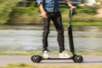 PJEŠACI IMAJU PREDNOST: Apeliramo na bicikliste, vozače motocikala, a pogotovo na vozače električnih romobila da prilagode brzinu u pješačkim zonama